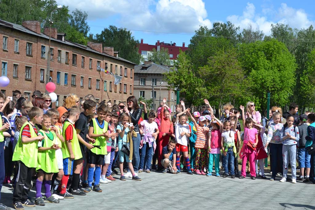 Позитивное настроение и заряд бодрости получили дети на празднике «Суперлето!»
