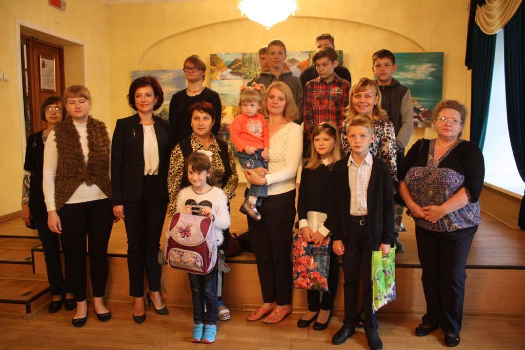 Общественные организации Ленинского района Гродно приняли участие в акции «Соберем детей в школу»