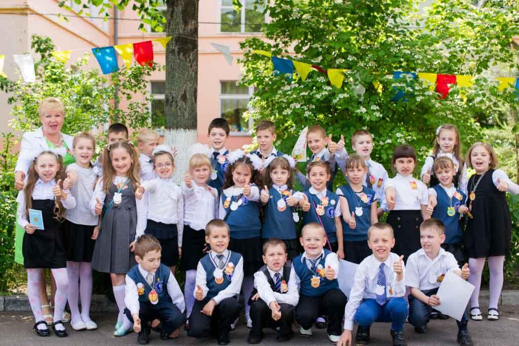 Фонд мира поздравил юных миротворцев с окончанием учебного года.