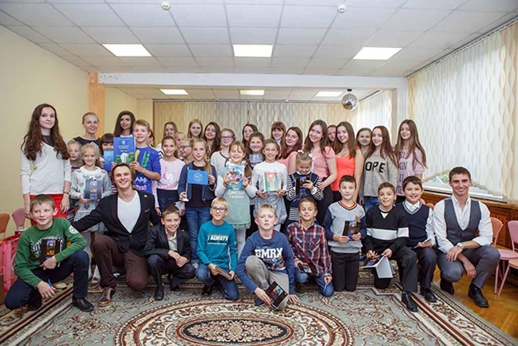 Первый молодежный блок Белорусского фонда мира открылся в столице.