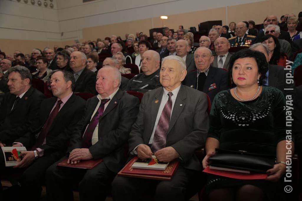 Фонд мира поздравил ветеранскую организацию Гомельщины с 30-летием создания 1