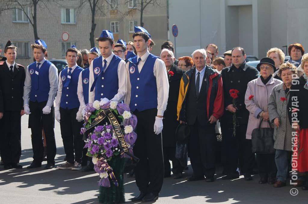 Миротворцы Гомельщины почтили память жертв узников фашистских концлагерей