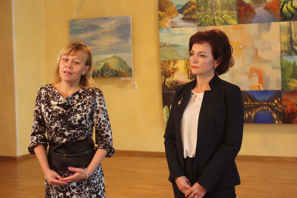 Общественные организации Ленинского района г.Гродно передали подарки школьникам из приемных семей.